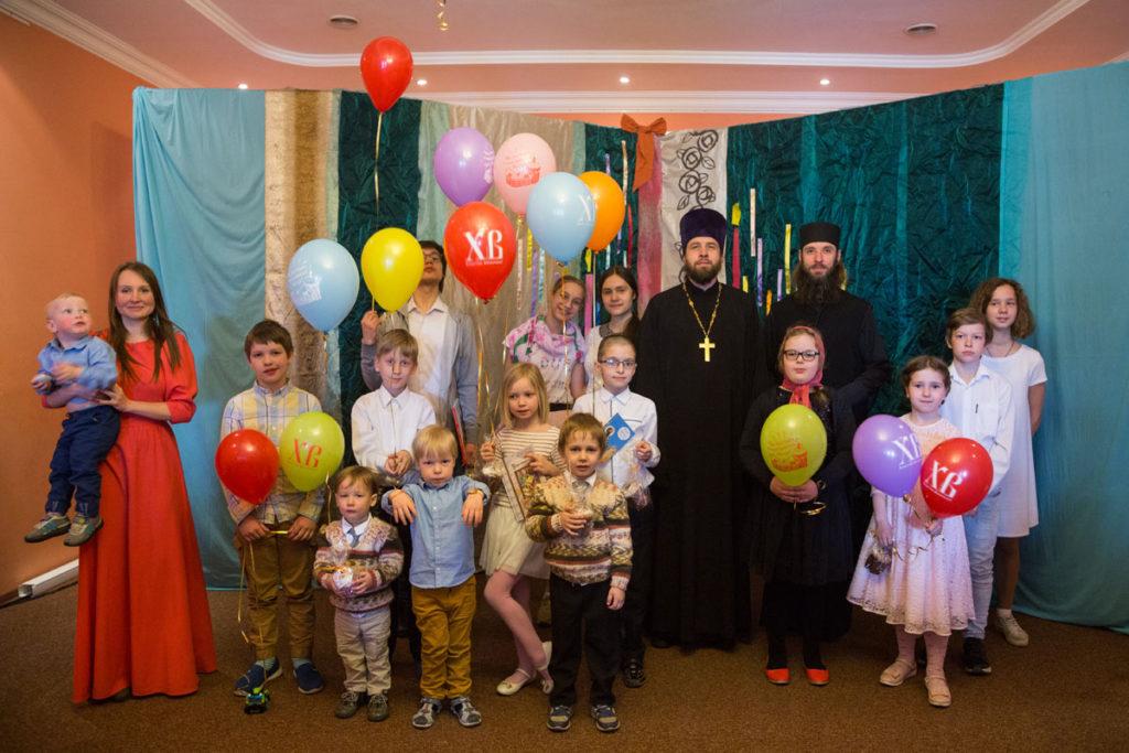 Детская литургия и Пасхальный праздник в Воскресной школе храма святителя Николая в Покровском