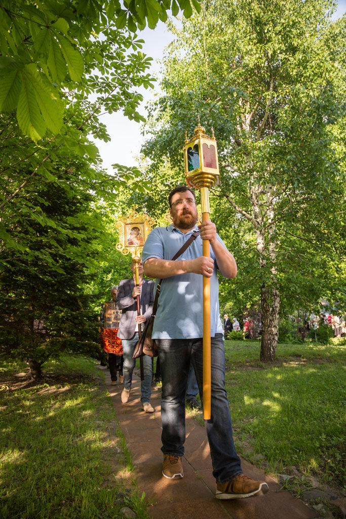 перенесение мощей святителя и чудотворца николая из мир ликийских в бари — престольный праздник нашего храма