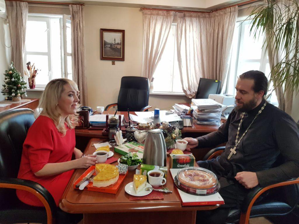Поздравление подопечных социального центра Басманного района
