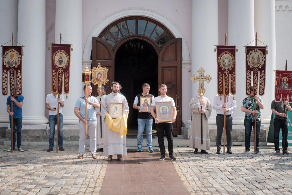 В день памяти святых апостолов Петра и Павла (12 июня) наш храм торжествует свой Престольный праздник!