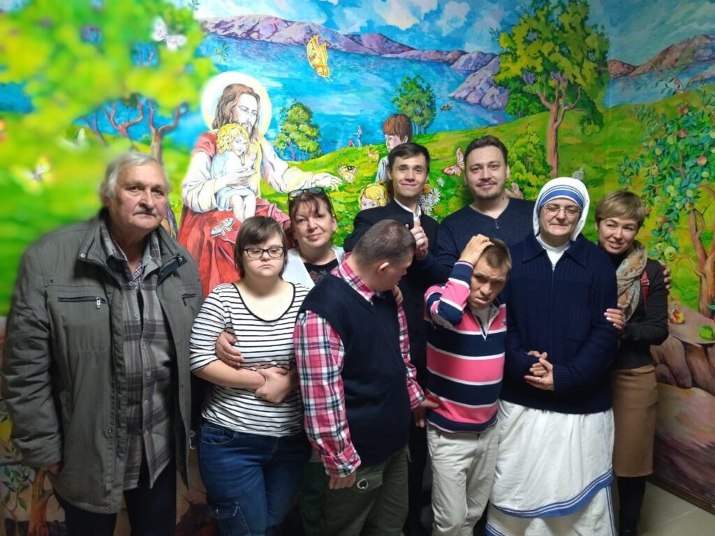 прихожане и молодёжь храма посетили католический центр Марии Терезы