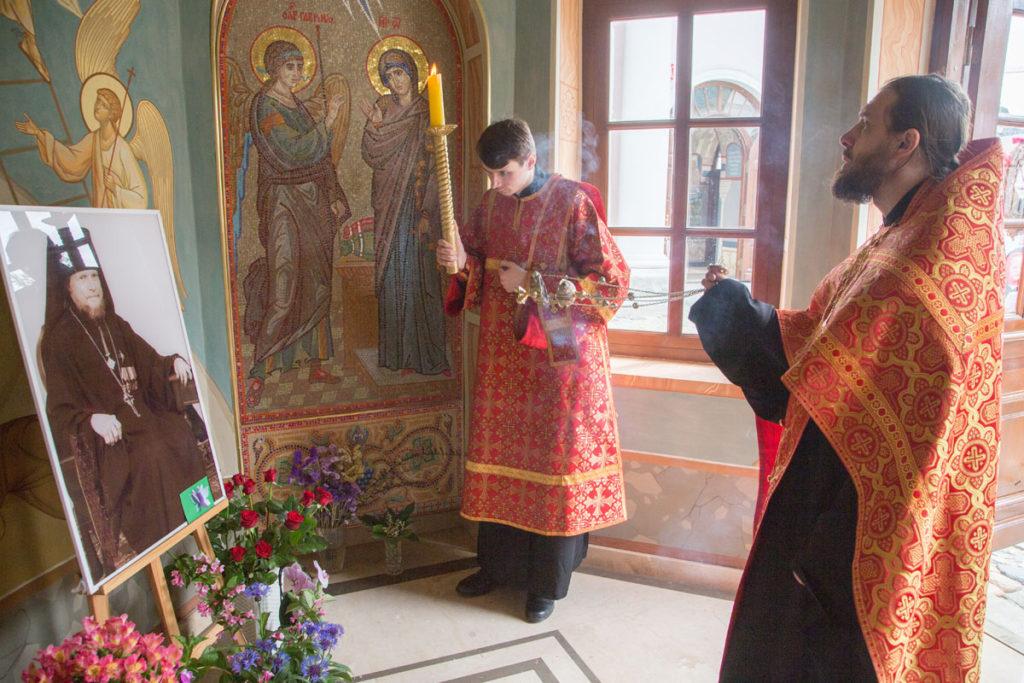 В храме святителя Николая в Покровском почтили память архимандрита Дионисия