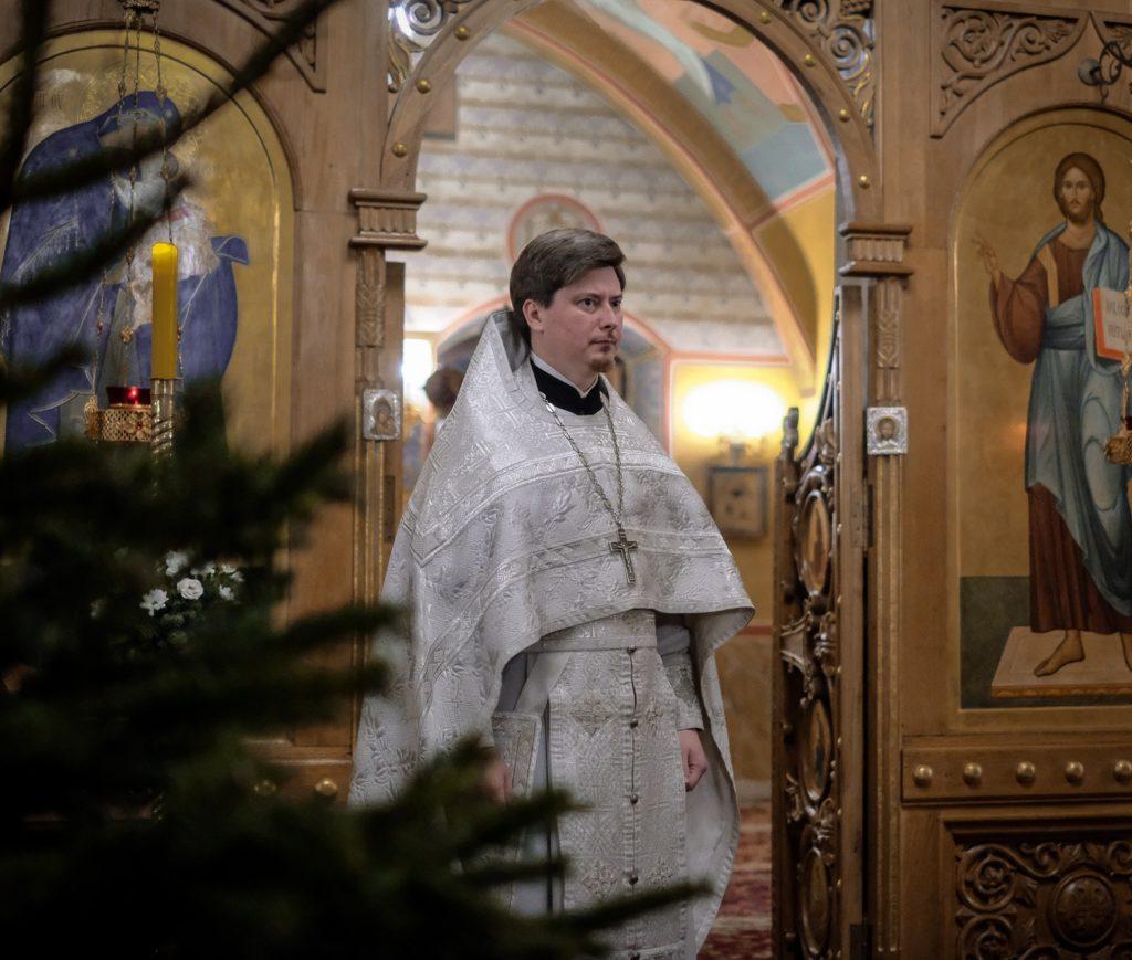 Поздравляем настоятеля с днем священнической хиротонии