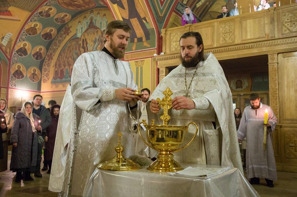 18-19/01/2018 Праздник Крещения Господня в храме святителя Николая в Покровском