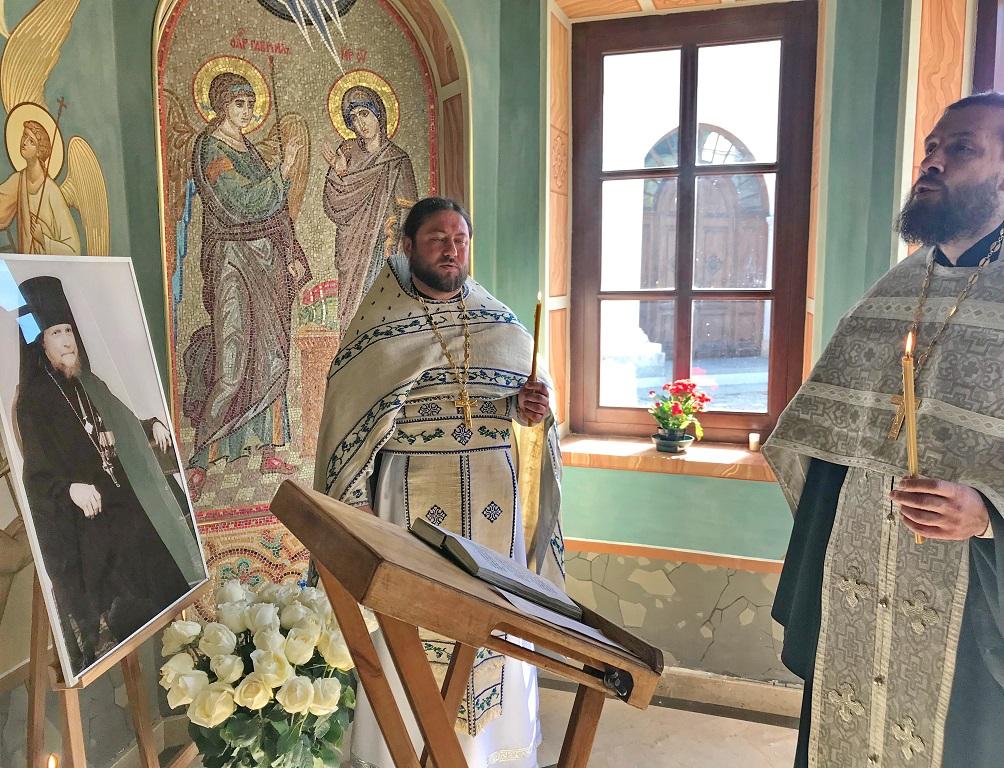 В день памяти преподобного Дионисия Радонежского в Никольском храме молитвенно вспоминали приснопамятного настоятеля