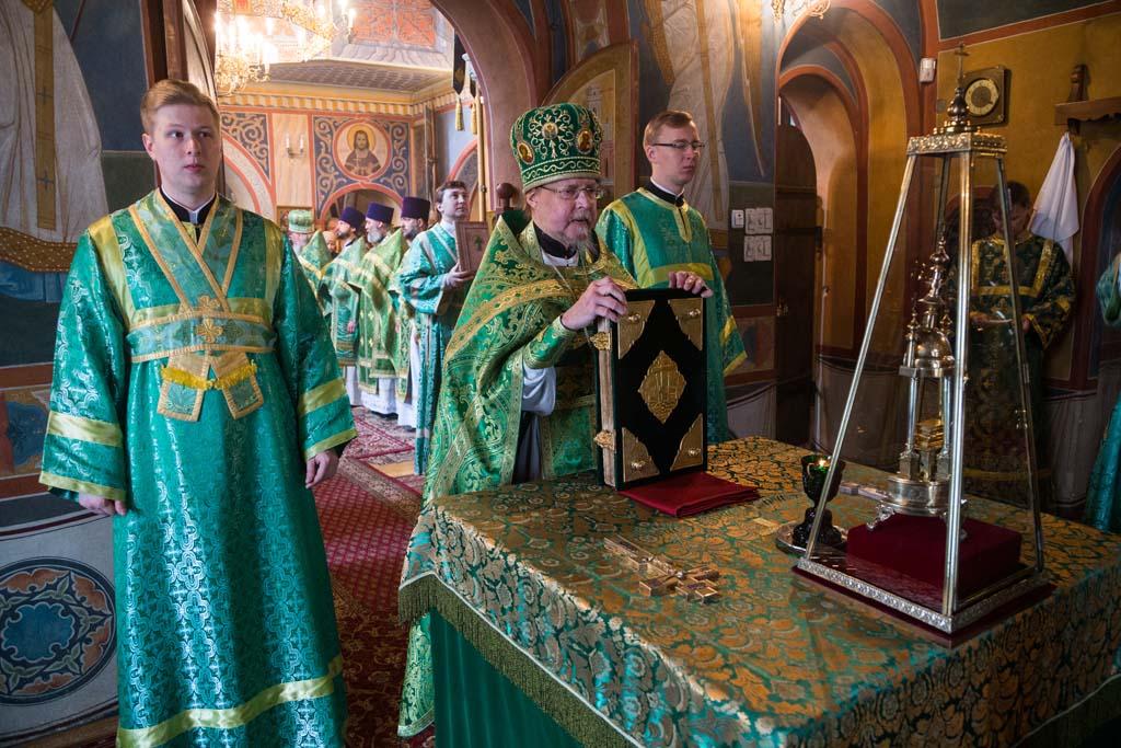 День памяти святого праведного Алексия Московского в храме святителя Николая в Клённиках