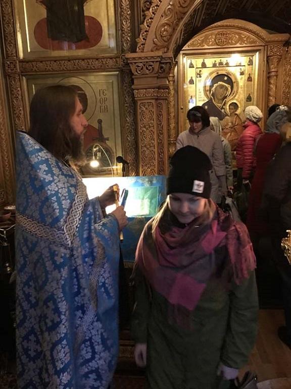 1/10/2017 Молебен с акафистом в Иверской часовне